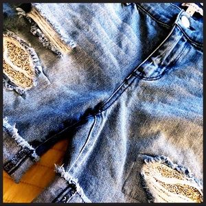 JUICE COUTURE cool denim shorts with sparkles